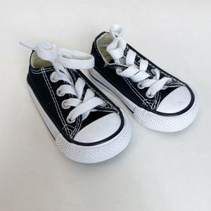 Converse Black Low Top Shoes Size 2 Unisex